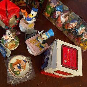 Disney bundle music boxes & more